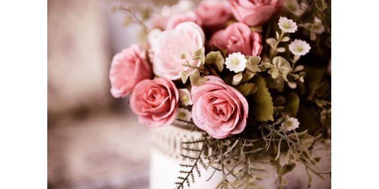 5 avantaje pentru flori artificiale